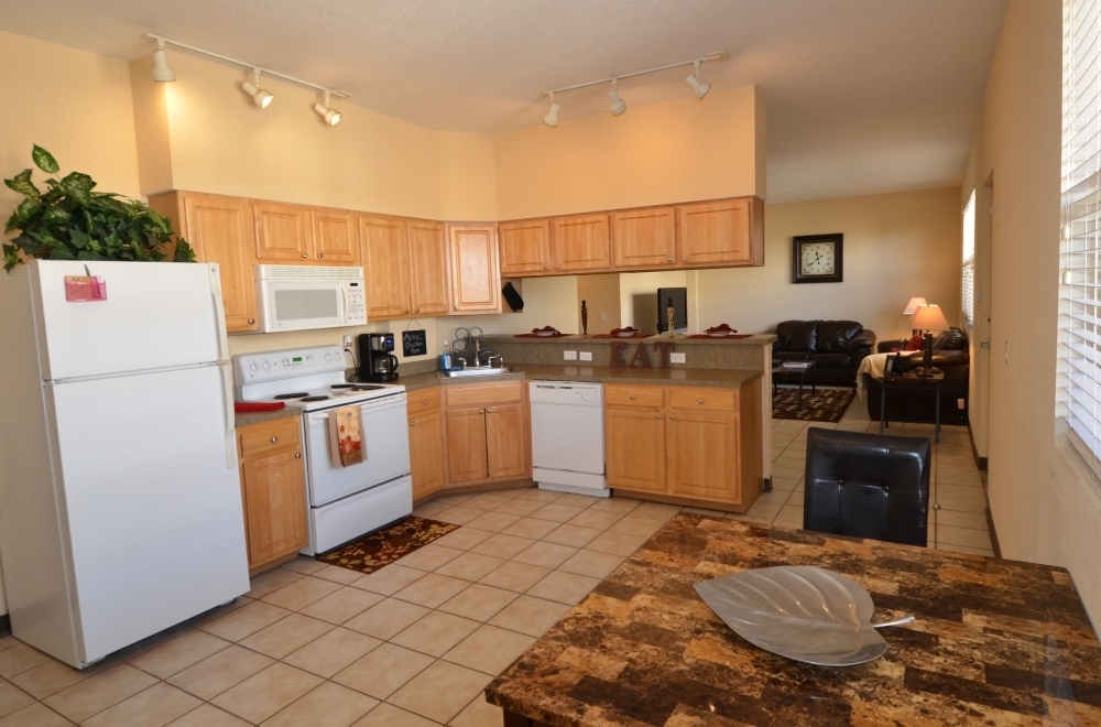 Malibu Apartments, USFu0027s Premier Off Campus Apartments, Is Located Directly  Across The Street (40 Feet) From The USF Campus Bordering Retail Shops, ...